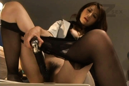 Maki Houjo Japanese teacher plays with a dildo
