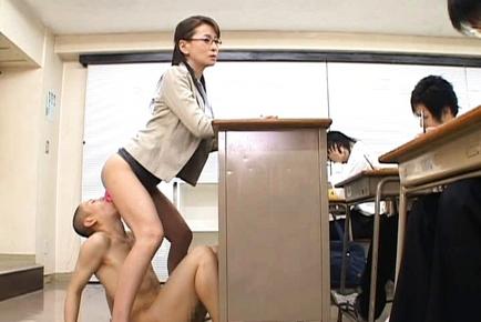 Rei Kitajima Lovely Asian teacher enjoys her horny students