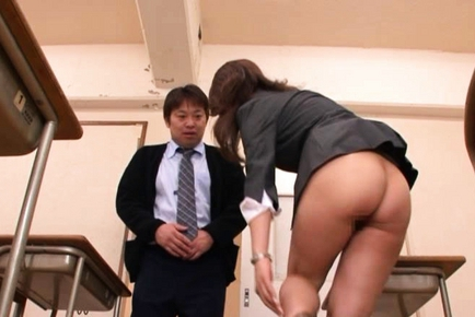 Kokomi Sakura Lovely Asian babe gets a hardcore sex experience