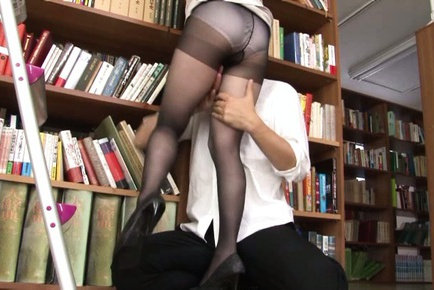 CFNM cock sucking with horny Miku Ohashi