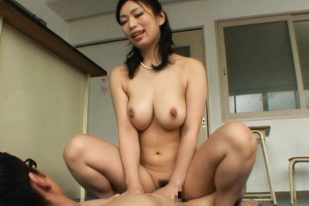 Luscious Japanese teacher Hikari Hino pleases two guys