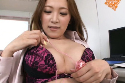Flawless Asian teacher Asami Ogawa pleases her horny pussy